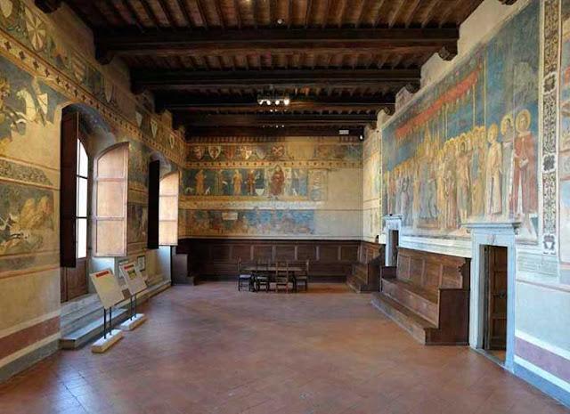 Informações sobre o Museo d'Arte Sacra em San Gimignano