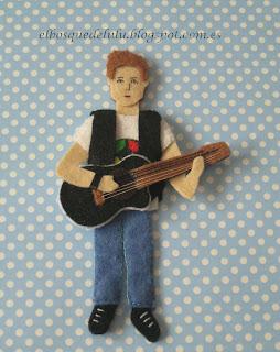 broche-personalizado-fieltro-guitarra