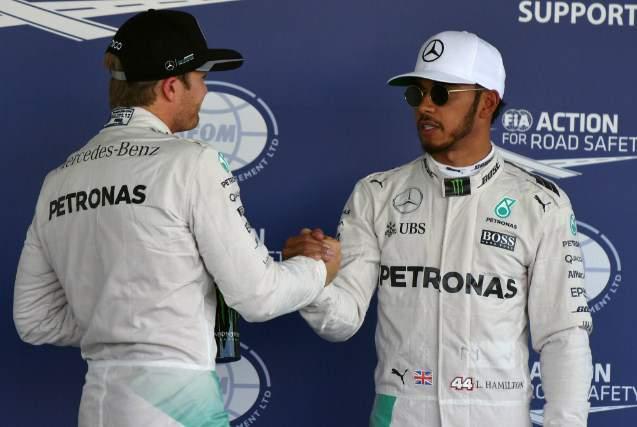 Lewis-Hamilton-dan-Nico-Rosberg-Mexico16