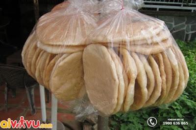 Món bánh phồng nếp - món ăn hấp dẫn của Nha Trang