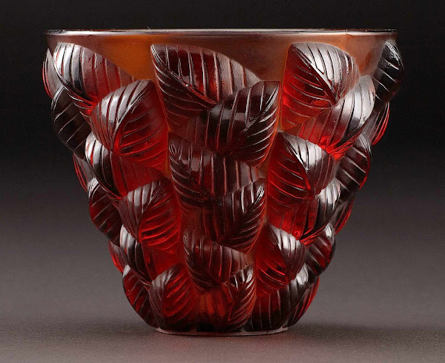 1927 Lalique vase red