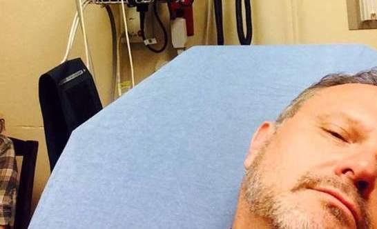 Marcos Witt pide oración por sanidad