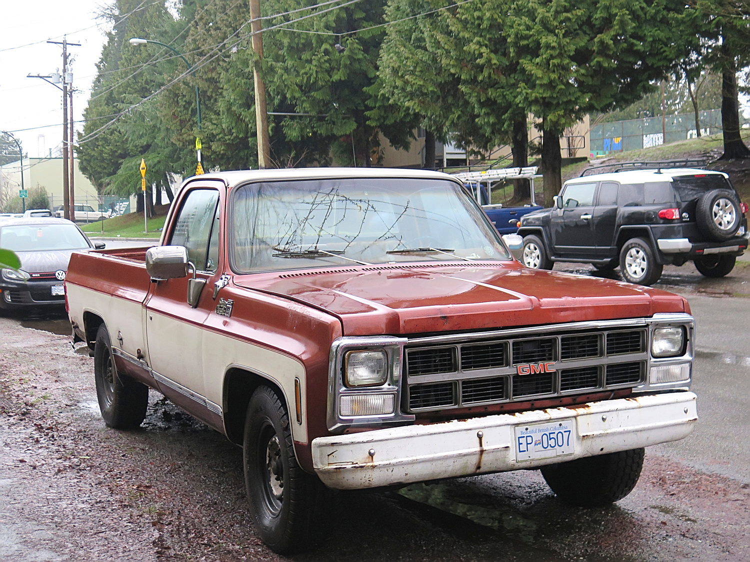 Old Parked Cars Vancouver: 1986 GMC Sierra Classic Camper Special