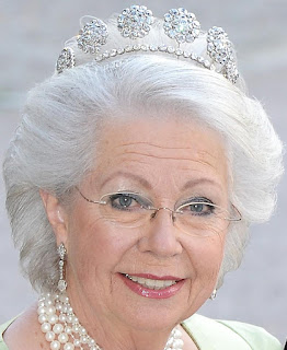 Sweden Six Button Tiara Princess Christina