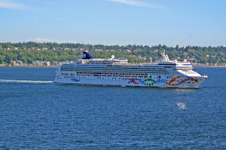 Norwegian Pearl departs Seattle, summer of 2016