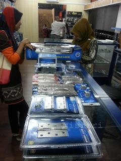 Rumah Idaman : MBJ Bina Jaya Peralatan Kerja Pemasangan Pintu Rumah