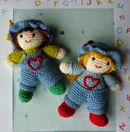 http://www.ravelry.com/patterns/library/amigurumi-crochet-pattern-friendly-twins