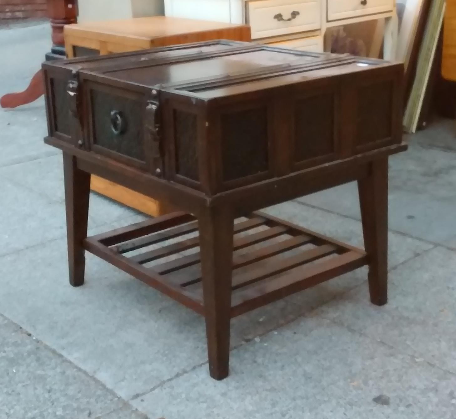 Luggage Style Furniture: UHURU FURNITURE & COLLECTIBLES: SOLD **BARGAIN BUY** #9430