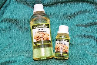 Hasil gambar untuk minyak sweet almond