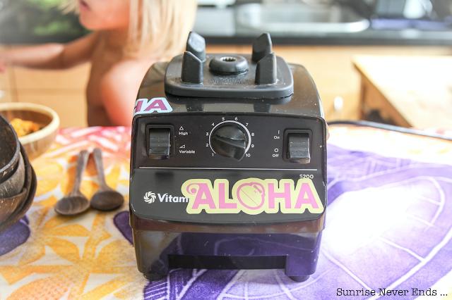 earthyandy,andrea,hawaii,north shore,açai bowl,healthy life,healthy food,billabong,travel guide,girl's crush