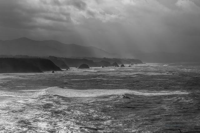 Costa de Entrecabos a poniente de cabo Vidio. Naturaleza Asturias