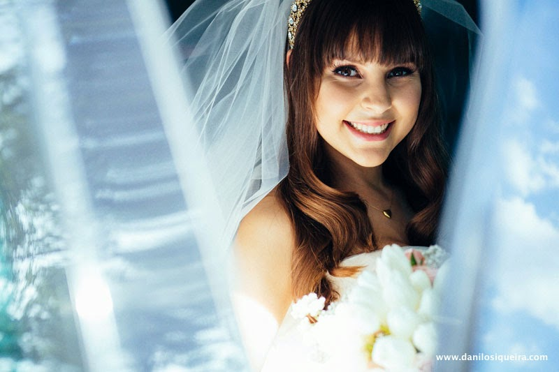 noiva - noiva princesa - tiara - tiara véu - cabelo solto - penteado noiva