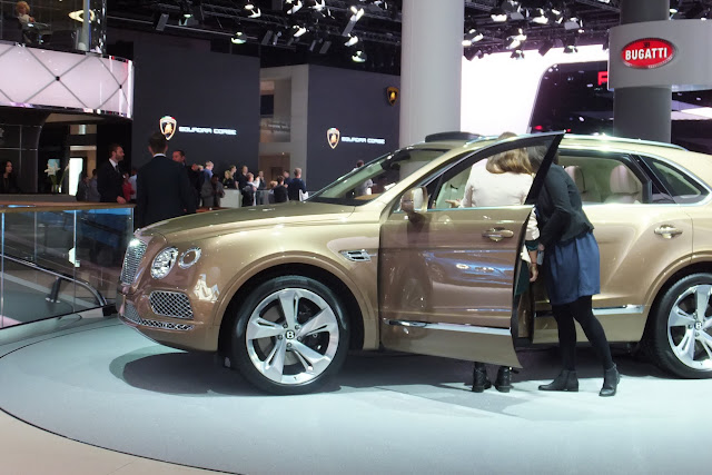 Bentley-bentayga-side