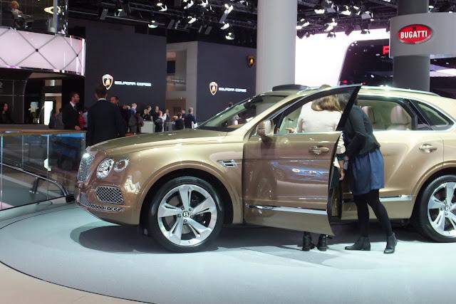 Bentley-bentayga-side