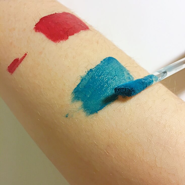 wet n wild megalast Liquid Catsuit Matte Lipstick The Shade is Teal swatch