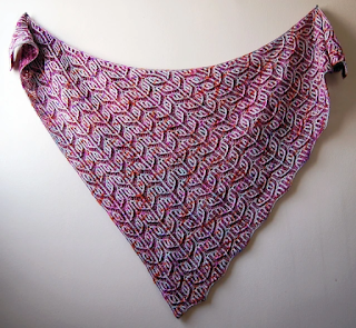 d059dfaeadc4d The popular Sizzle Pop shawl by Lesley Anne Robinson includes instructions  to knit both a triangular and square shaped shawl using two colors of  fingering ...