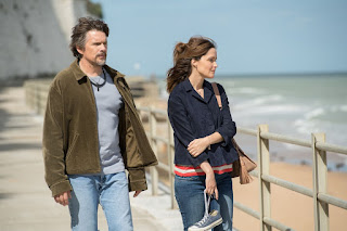 Juliet, Naked Rose Byrne