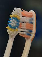 sikat gigi bekas untuk mainboard, sikat gigi bekas untuk membersihkan mainboard
