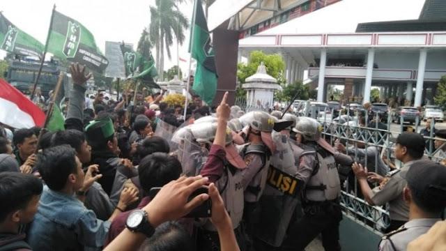HMI Tuntut Polda Bengkulu Tanggung Jawab atas Penembakan Mahasiswa