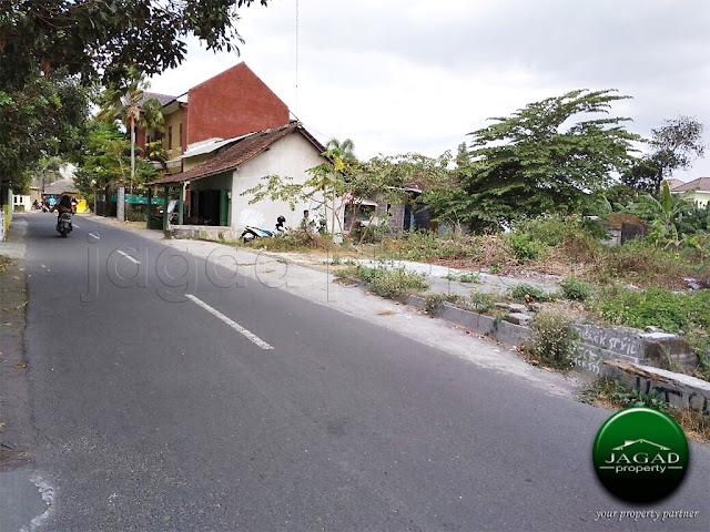 Tanah Tepi Jalan Jongke dekat Hyatt