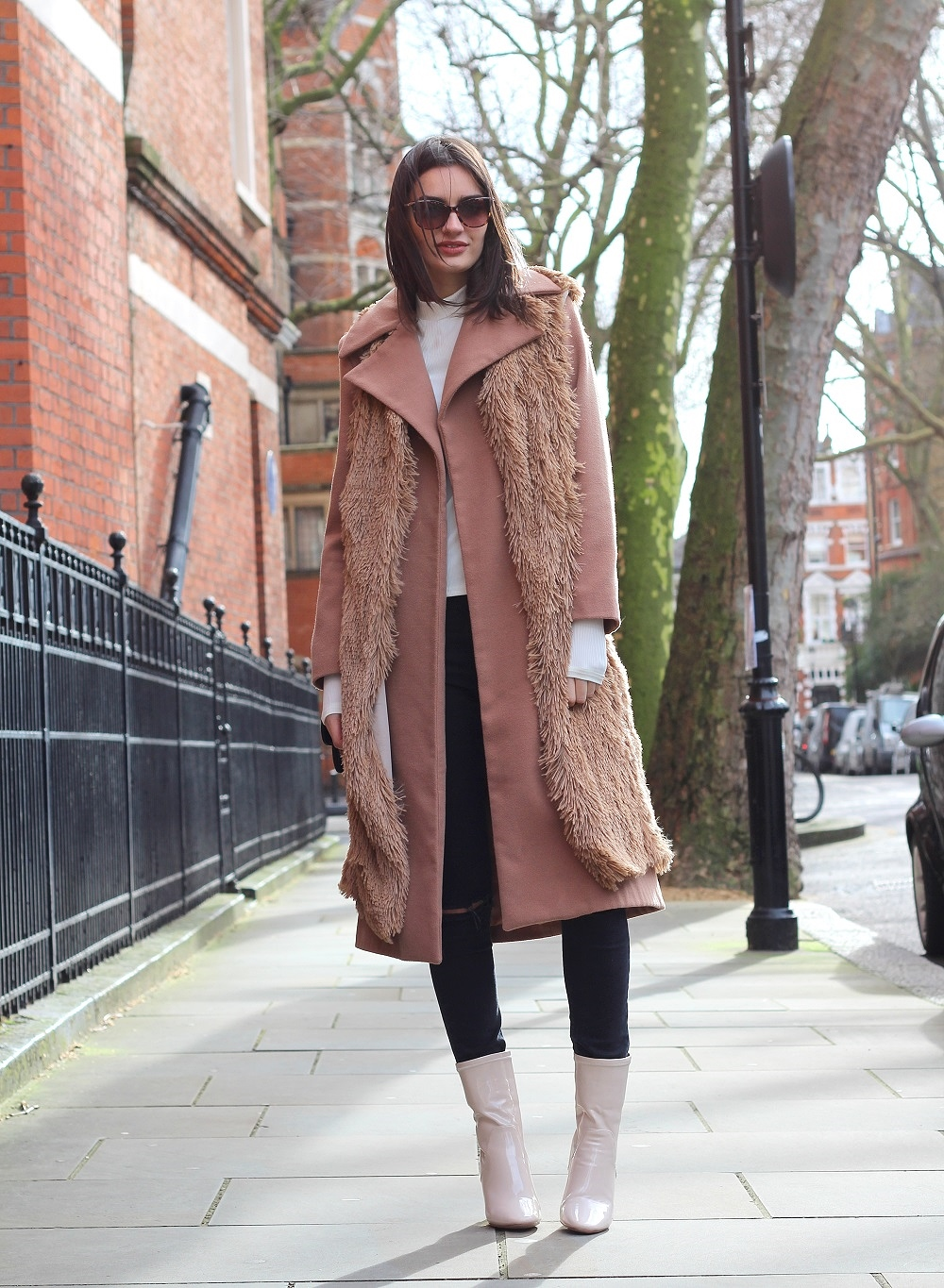 peexo fashion blogger styling camel and faux fur
