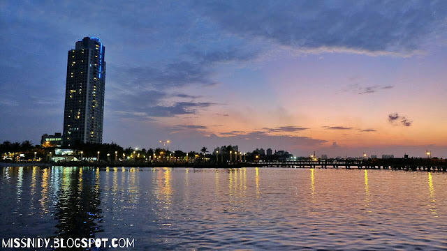 sunset di ancol