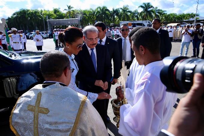 Danilo Medina y Cándida Montilla de Medina participan en misa Día Nuestra Señora de la Altagracia, conmemoración religiosa pueblo dominicano