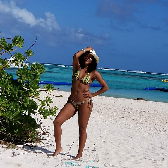 Gabrielle-Union-sexy-bikini-photos