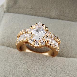 cincin berlian, bahaya cincin, cincin batu berlian besar, cincin cantik