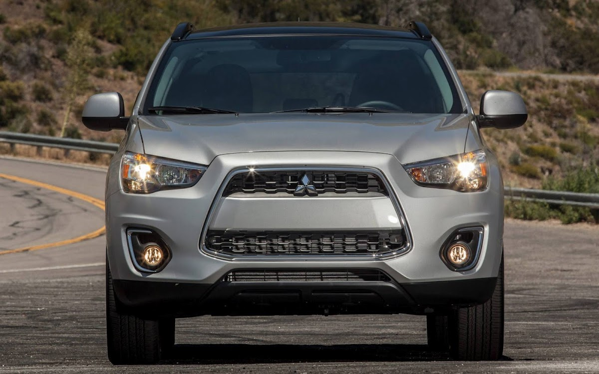 2013 Mitsubishi Outlander Widescreen HD Wallpaper 9