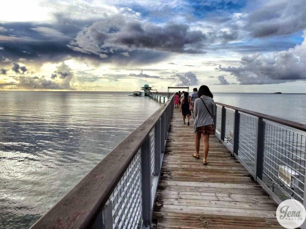 boardwalk to underwater observatory