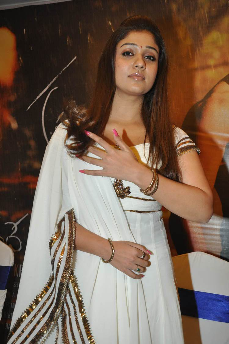 Actress Nayanthara in White color Sudithar