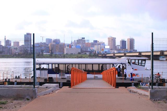Balade en bateau sur la lagune Ebrié d'Abidjan