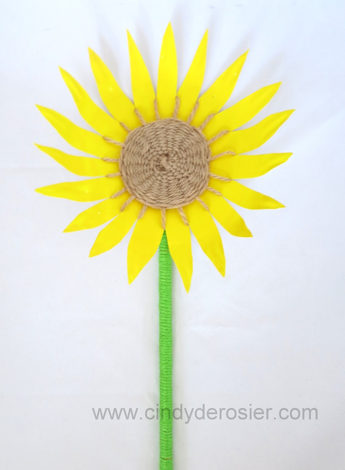 ... Formarou0027s book Paper Fun Mania called Paper Plate Weaving. I made some changes to turn it into a beautiful summery sunflower. This easy portable craft ...  sc 1 st  Cindy deRosier & Cindy deRosier: My Creative Life: Paper Plate Sunflower