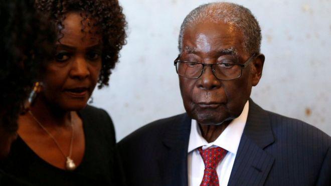 Mkoba  Uliojaa Mamilioni Hela za Mugabe Yaibiwa