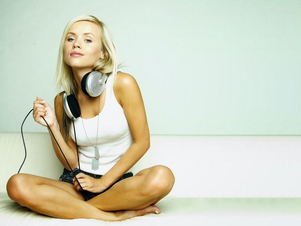 Girl Gta Wallpapers Girl Wearing Headphone Beautiful Girl Wallpapers