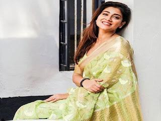 shriya saran biography | श्रिया सरन