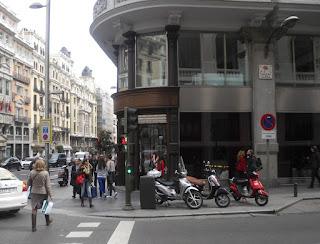 En la zona destacan lujosos edificios de variada arquitectura. .