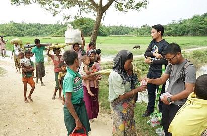 10 hari jalan kaki ayam redah sungai, hutan dan bukit, ini kisah sedih pelarian Rohingya yang didekati NGO Malaysia