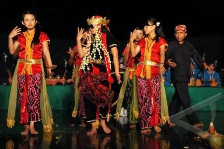 Macam-Macam Tarian di Indonesia: Sejarah Tari Sintren dari Jawa Tengah