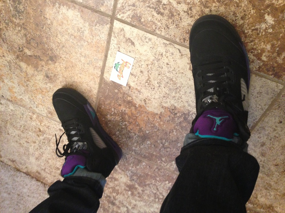 bbcca552fa9 Parallel Outfits  The Air Jordan Black Grape V s on Feet