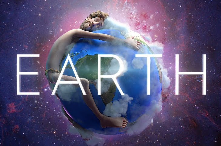 Must See: Lil Dicky - Earth