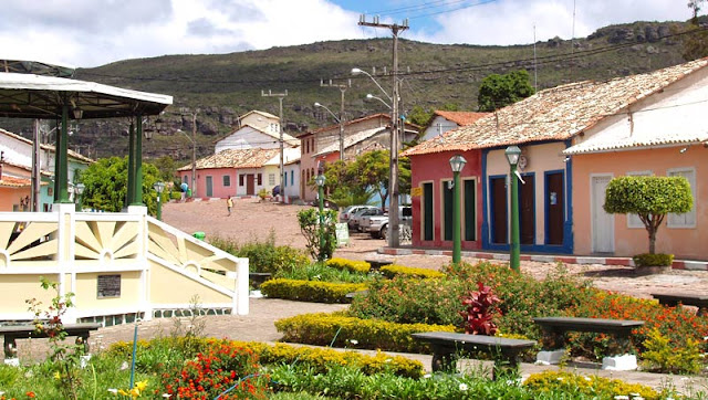 Mucugê - Praça Coronel Douca Medrado - Branco Pires