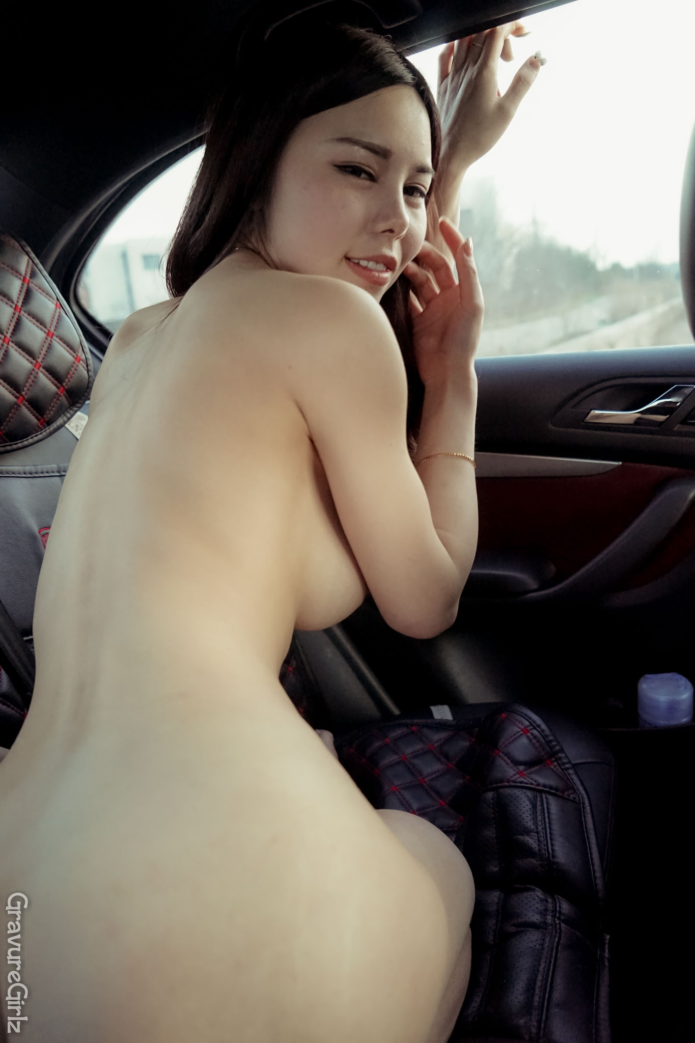 Shen Jiaxi  Nude Sexy Time Inside Car Original   - Photo Gallery 5-1042
