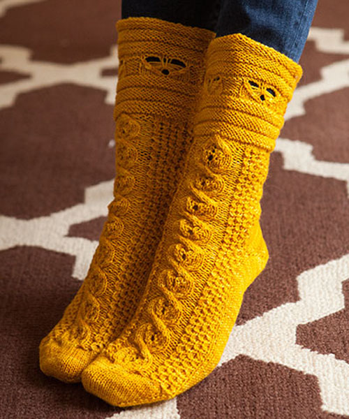Busy Bees Socks - Free Pattern