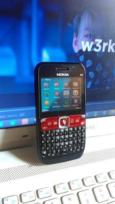 Nokia E63 dari depan (original)