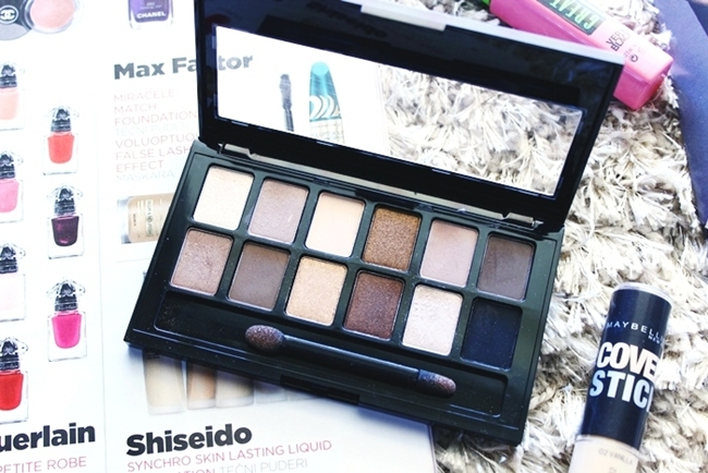 Maybelline the nudes eyeshadow palette.Maybelline the nudes paleta senki za oci.