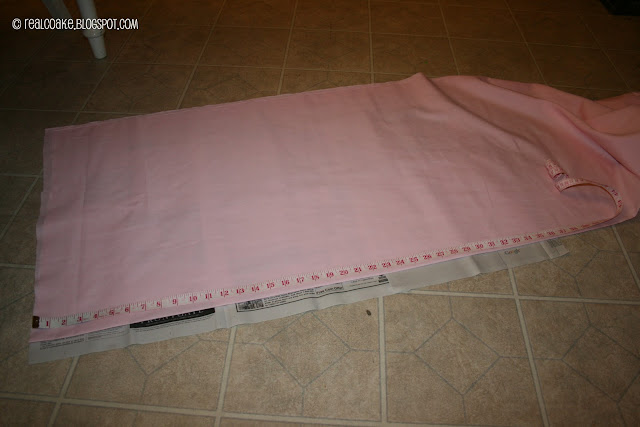 measuring fabric for how to make a pillowcase
