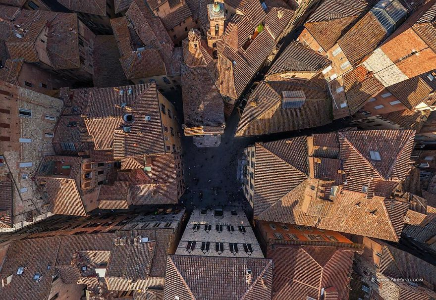 Beautiful Panoramic Pictures Of 20 Famous Cities - Siena, Italy