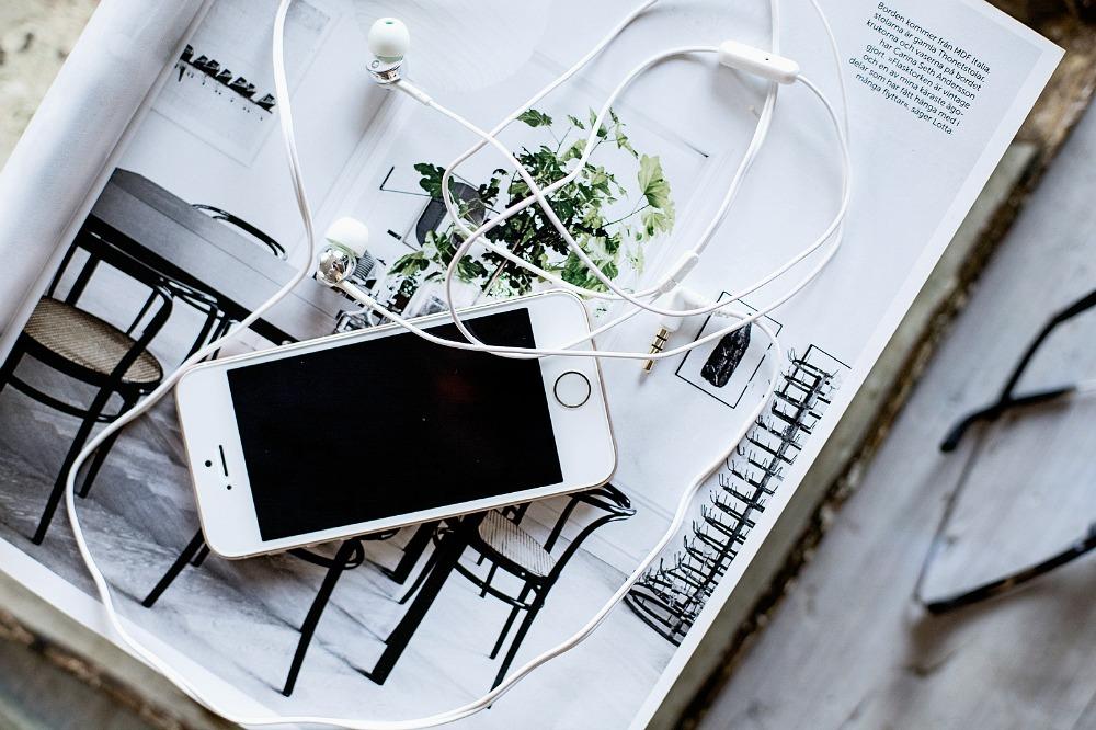 koti, sisustus, puhelin, kuulokkeet, valokuvaus, Visualaddict, valokuvaaja Frida Steiner